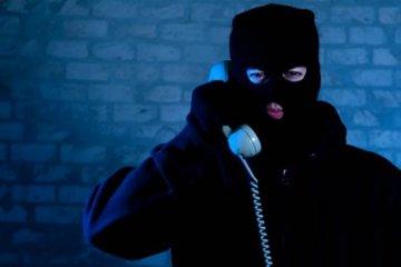 Evitó una estafa telefónica advirtiendo que la conversación estaba siendo grabada