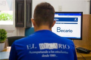 El Becario implementará el trámite online para becas