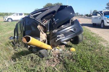Perdió el control de su vehículo y terminó impactando contra una columna