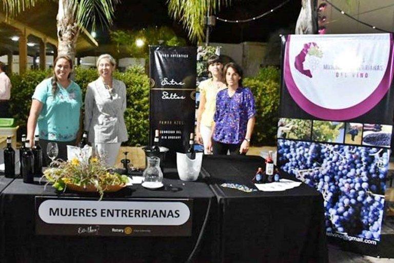 La Asociación de Mujeres Entrerrianas del Vino en Entre Vinos Concordia