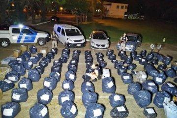 La Prefectura secuestró más de cuatro millones de pesos en los allanamientos por el tráfico ilícito de mercaderías.