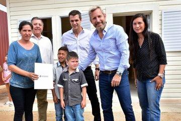 Cinco familias concordienses afectadas por la inundación ya cuentan con sus nuevas viviendas