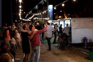 Vuelven las noches de food trucks a la Costanera