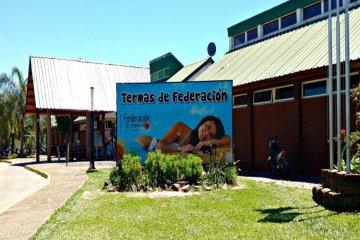 Los residentes de Concordia continuarán con entrada bonificada a las termas de Federación