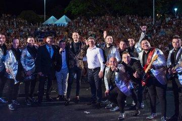 Con un marco multitudinario de público arrancó la Fiesta del Lago en Federación