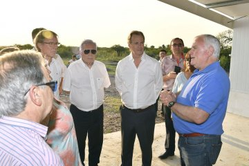 Bordet visitó un complejo avícola y dijo que es fundamental