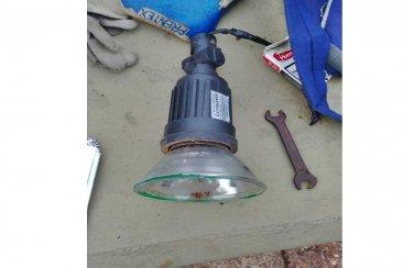 Recientemente fueron colocadas y ya estaban robando las luminarias de la Costanera