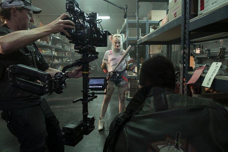Detrás de escena con Margot Robbie interpretando a Harley