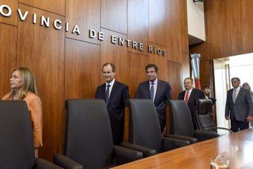 El Poder Judicial suspendió aumentos salariales y Bordet elogió la medida