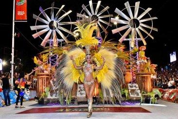Afirman que la convocatoria de la anteúltima noche del carnaval de Concordia superó las expectativas
