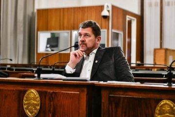 En horas del mediodía podría haber un parte sobre el estado del senador Armando Gay