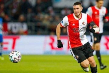 Senesi fue expulsado en el debut del Feyenoord por la Europa League