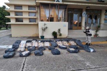 Prefectura Concordia incautó casi 500 kilos de pollos para exportación