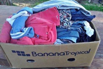 Piden donación de ropa o retazos para confeccionar frazadas destinadas a un barrio concordiense