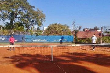 Un club concordiense comenzó con las prácticas de tenis