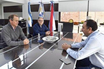 Bordet visitó la represa de Salto Grande para reforzar la importancia de la navegabilidad del río Uruguay