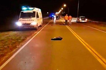 Un joven motociclista murió y otro ingresó en grave estado al Masvernat tras chocar con un caballo