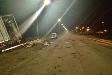 Tras el vuelco del camión quedó liberado el tránsito vehícular en la Ruta 18