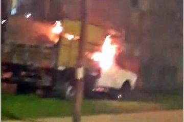 Bomberos Zapadores debieron sofocar el incendio de una camioneta