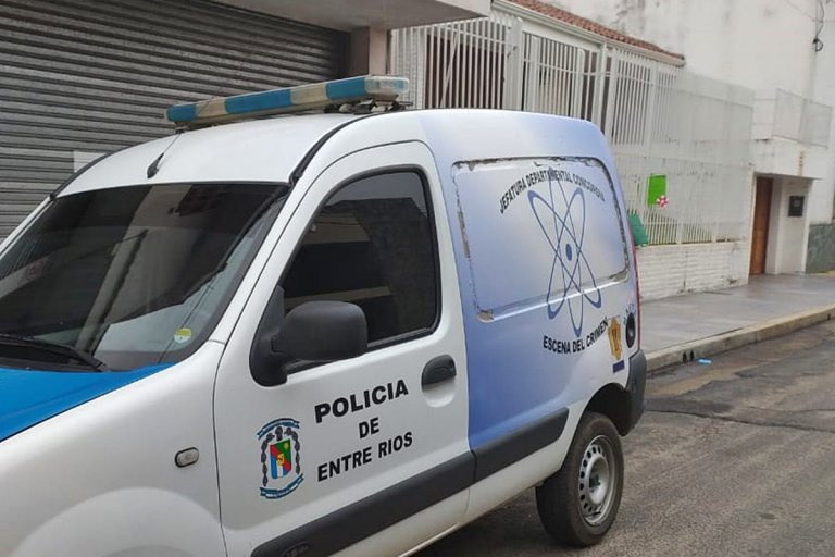 La camioneta de Criminalística regresó este martes al lugar del asesinato
