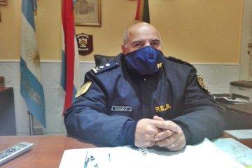 El jefe de Policía detalló cuántos uniformados permanecen aislados por el caso positivo en Alcaidía