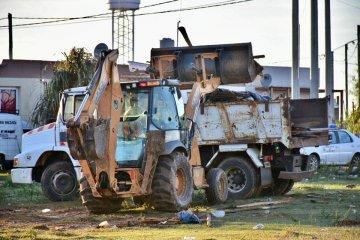 Con apoyo policial el municipio desalojó los terrenos usurpados en la zona oeste