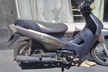 Rompieron un candado y se llevaron una moto del garage de una vivienda