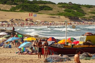 Uruguay ahora evalúa abrir las fronteras para turismo pero con estrictos requisitos