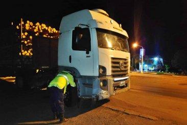 La policía secuestró en la ruta un camión de una impregnadora concordiense