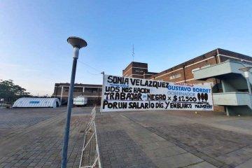 """Trabajadores del hospital Masvernat protestan """"por un trabajo digno"""""""