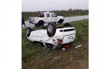 Joven conductora salió ilesa luego de volcar en ruta 18