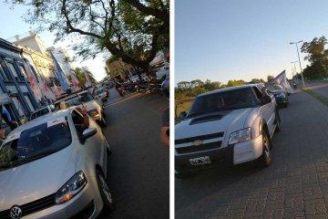 Concordia también tuvo su caravana para recordar al ex presidente Néstor Kirchner