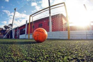 El municipio advierte que en muchas canchas de fútbol 5 no se está respetando el protocolo vigente