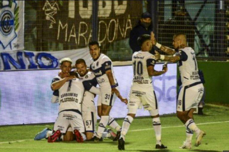 Con el gol de un concordiense, Gimnasia goléo a Patronato en el debut de la Liga Profesional