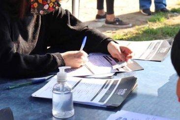 La municipalidad denunció a un comerciante que pedía documentación para un presunto plan social
