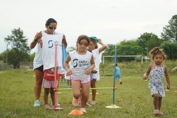 """Salto Grande promueve el deporte a través del programa """"Movete con Energía"""""""