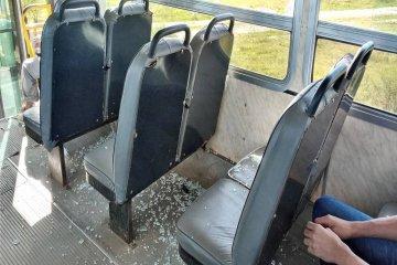 """A pesar de las denuncias realizadas afirman que siguen los """"piedrazos"""" en el puente Alvear"""