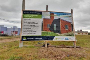 Con fondos provinciales se iniciaron viviendas de madera en Chajarí