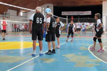 Adultos mayores de La Pampa viajaron a Federación a un torneo deportivo y regresaron positivos de COVID