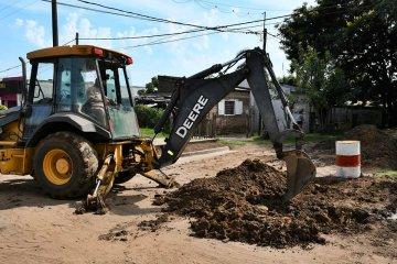 Realizaron una extensión y mejoraron las redes de agua en una calle de Concordia