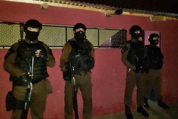 Fueron detenidos en el momento que fraccionaban cocaína para su comercialización