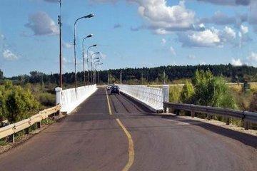 Martes y miércoles habrá cambios en el tránsito por arreglos en el Puente Alvear y en la rotonda de Villa Adela