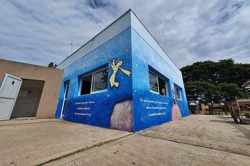 """Realizaron una intervención artística basada en el """"El Principito"""" a metros del Castillo San Carlos"""