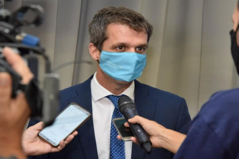 Cresto salió a responderle a Frigerio y defendió las nuevas restricciones.