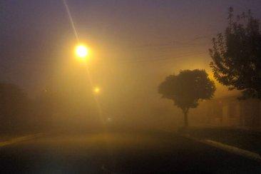 Densos bancos de niebla afectan la visibilidad en toda la provincia